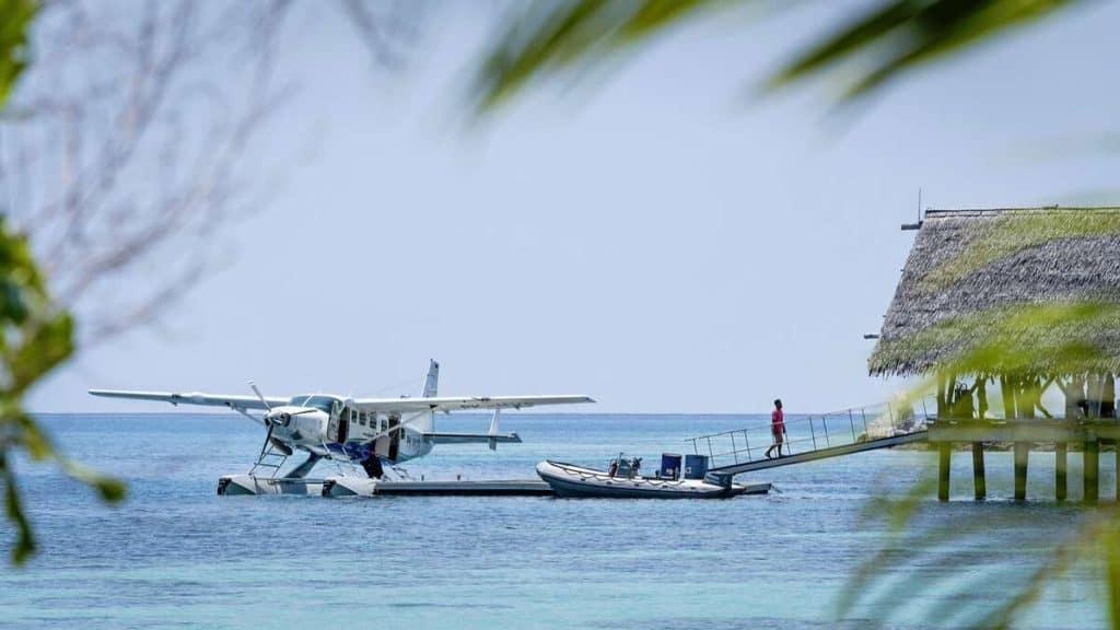 Vandfly som fragter gæsterne til Bawah Reserve.