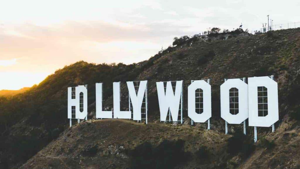 Forbered jer på et eksklusivt og glamourøst ophold i Hollywood.