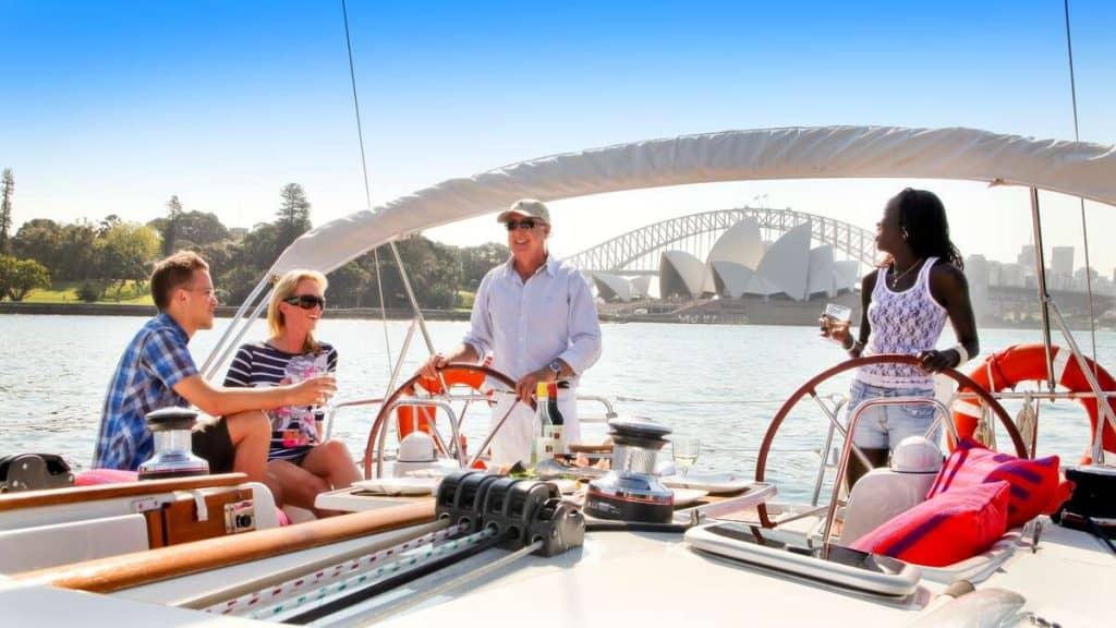 Vi anbefaler en sejltur i Sydney havn.