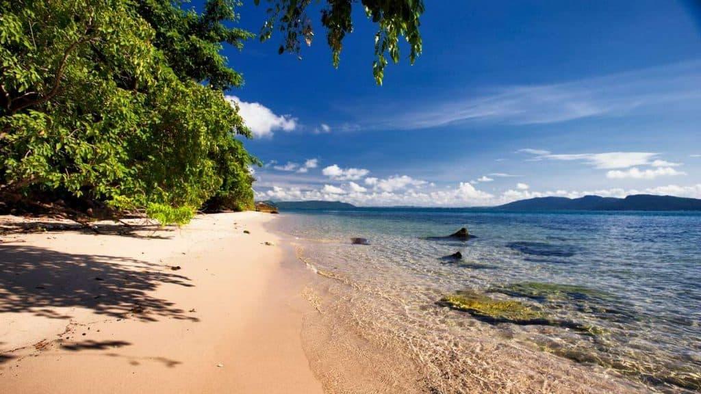 Idylliske strande på Six Senses Krabey Island.
