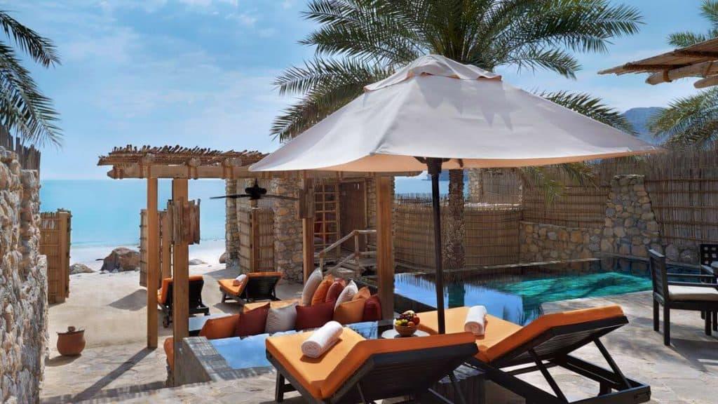 Strandvilla på Six Senses Zighy Bay i Oman.
